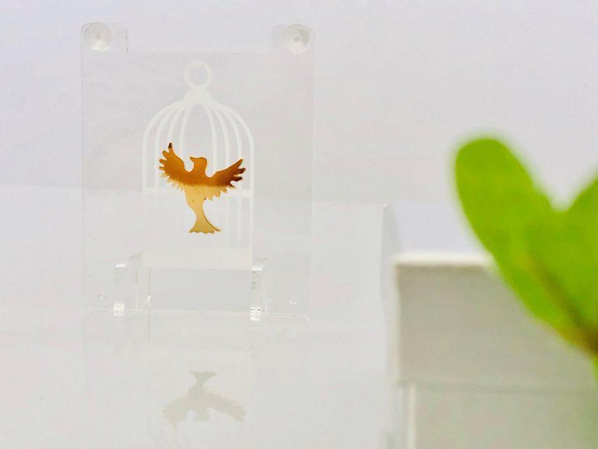 飾れる影絵ピアス 幸せの青い鳥
