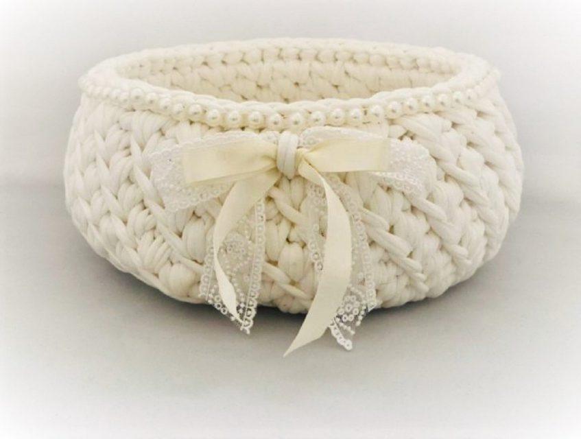 トルコの手編みの大きなバスケット(ホワイト)