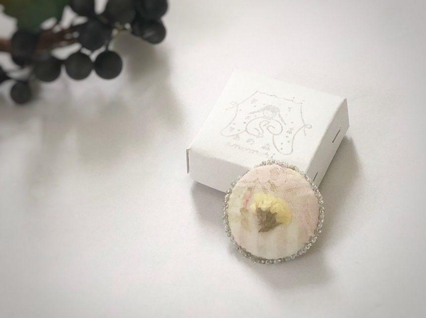 花々想ふブローチ