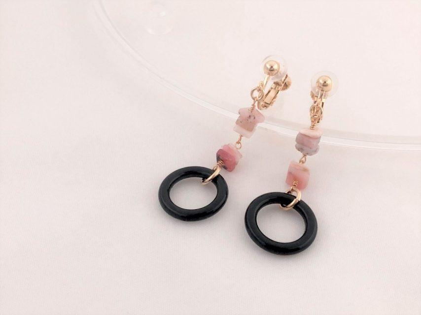 ピンクオパールのスイングイヤリング