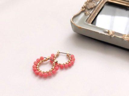 ピンク染白サンゴのフープピアス (小)